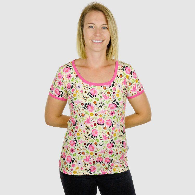 Woman-Shirt PeaceAndSpring